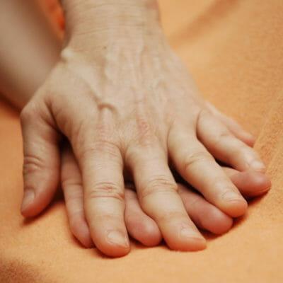 Berührungsqualität entfalten: Selbstmassage-Meditation in 5 Schritten