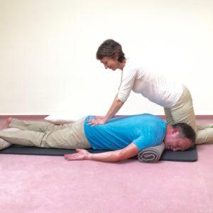 Paarmassage-Anleitung, Handballen-Druck-Massage, Sabine Zasche, Raum für Bewusstsein