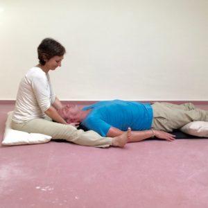 Partnermassage-Anleitung, Nackenmassage, Sabine Zasche, Raum für Bewusstsein