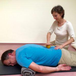 Partnermassage-Anleitung, Ball-Massage, Sabine Zasche, Raum für Bewusstsein