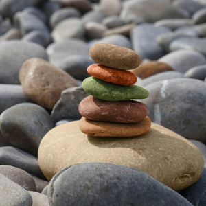 Steine gestapelt zur Balance