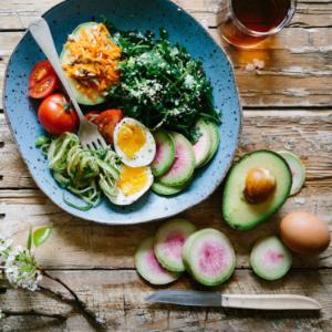 Salatteller mit Gemüse