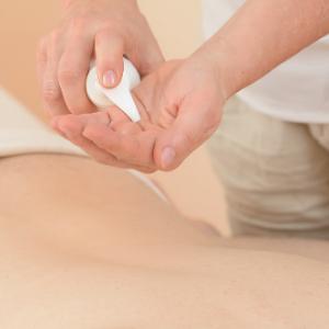 massagegel aufgetragen
